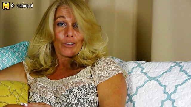 انجمن بدون ثبت نام  جمعه شب در حیاط یک سکس در خانه سالمندان مرغ در دهان داد
