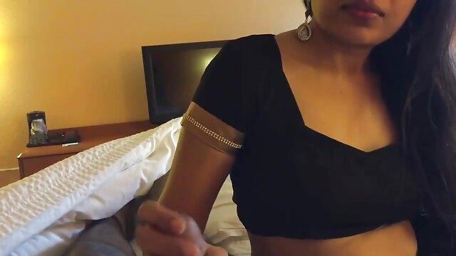 انجمن بدون ثبت نام  تامارا سکس با دزد خانه در روستای سیگار و سوگند