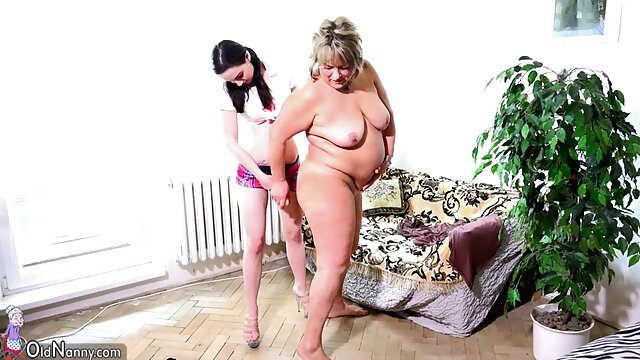 انجمن بدون ثبت نام  ارسال دوست دختر خانه سكس خود را, اجازه دهید او با هم بمانند