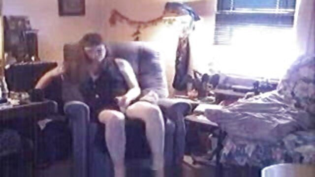 انجمن بدون ثبت نام  طلسم کوچک در وب کم فشار نوک سینه خود را و سواری با فیلم سکسی جنده ها dildo سیاه و سفید دیک بزرگ