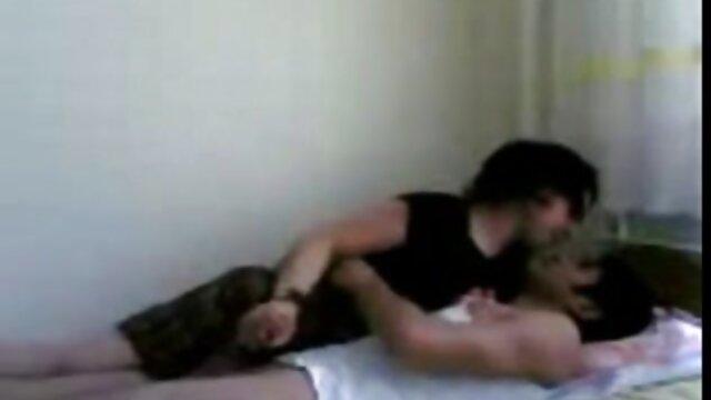 انجمن بدون ثبت نام  نابرادری fucks در خواهر خود را در سکس با نوکر خانه جوراب شلواری سفید شفاف.