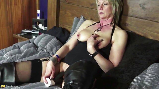 انجمن بدون ثبت نام  کوچک, سگ ماده, فیلم سکس در جنده خانه در خانه می شود توسط بزرگ دیک