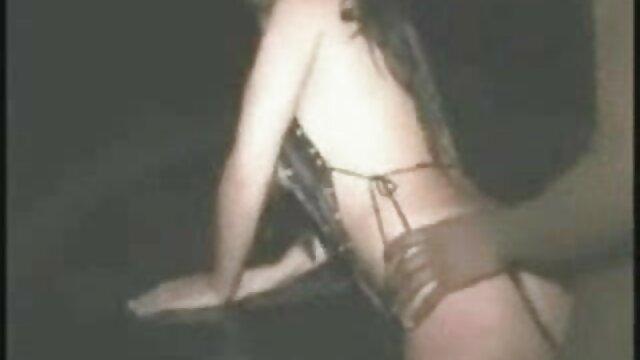 انجمن بدون ثبت نام  دسته از دختران برهنه در خانه سكس استخر اتاق قفل