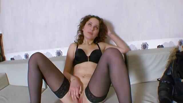 انجمن بدون ثبت نام  پورنو آماتور از یک زن و شوهر لعنتی بر روی سکس با کلفت خانه یک صندلی کامپیوتر