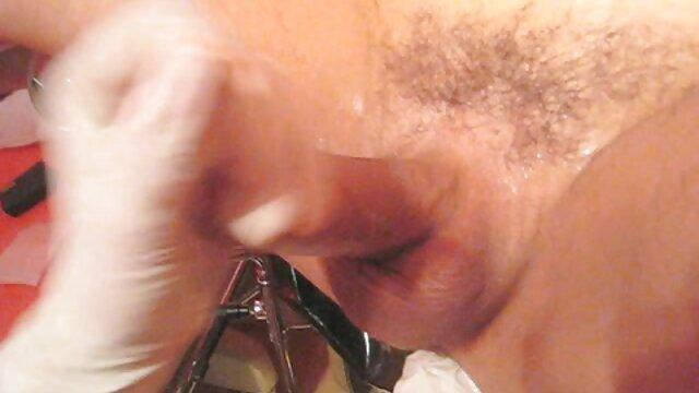 انجمن بدون ثبت نام  پوست-اوا Lovia بی عیب و نقص است و می شود مانند یک قهرمان سکس با نوکر خانه