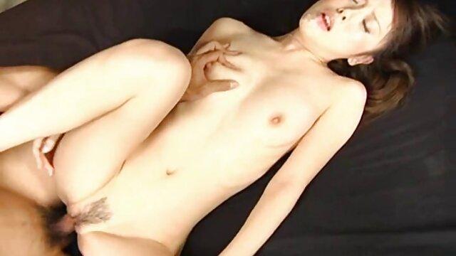 انجمن بدون ثبت نام  کف لغزنده مهم نیست که سکس در سریال خانه کوچک دیک سیگار